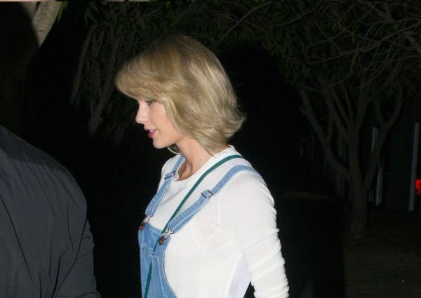 Taylor na nákupoch v Kookai